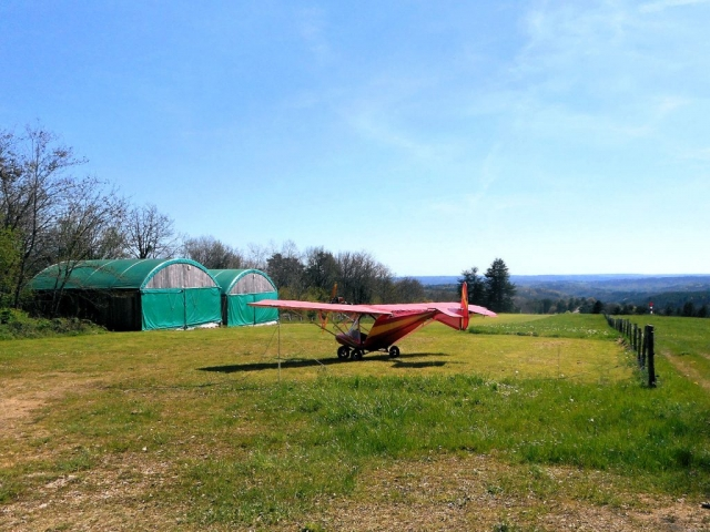 AX3 Weedhopper 28AAD, Dordogne, France